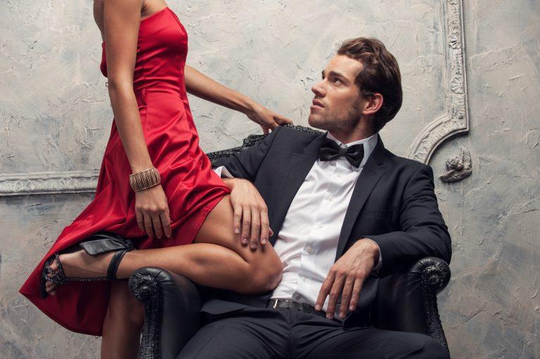 stvari koje treba učiniti prilikom izlaska s oženjenim muškarcem natjecanje putem interneta